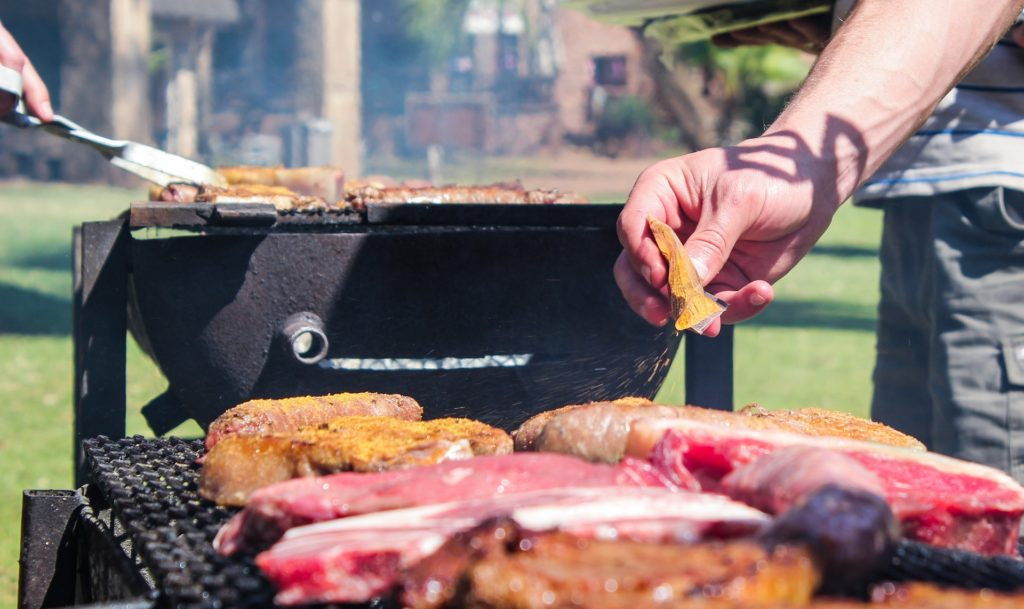 Easy Ways To Have A Backyard Barbecue Without Starting A Fire
